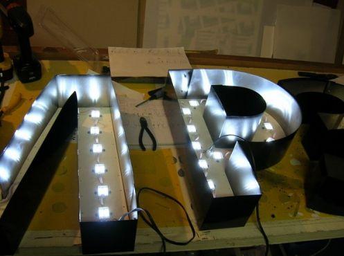 Как сделать своими руками светодиодную вывеску