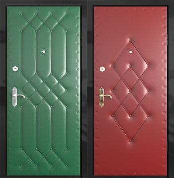 Закончив с валиками, переходим к обивке основной плоскости двери.